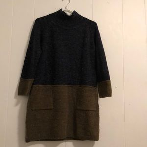 Two tone sweater dress with pockets